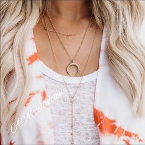 Jewelry - Dainty Layered necklace crescent moon pendant
